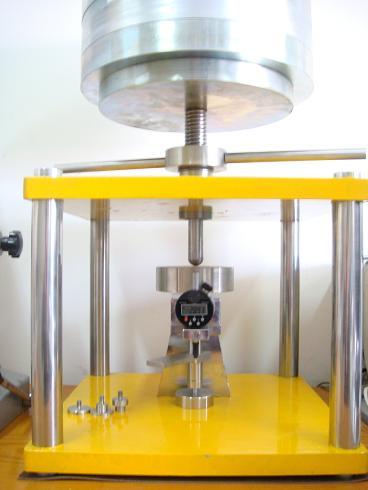 Kompresueshmëria & amp; Rimëkëmbjes Machine Testimi